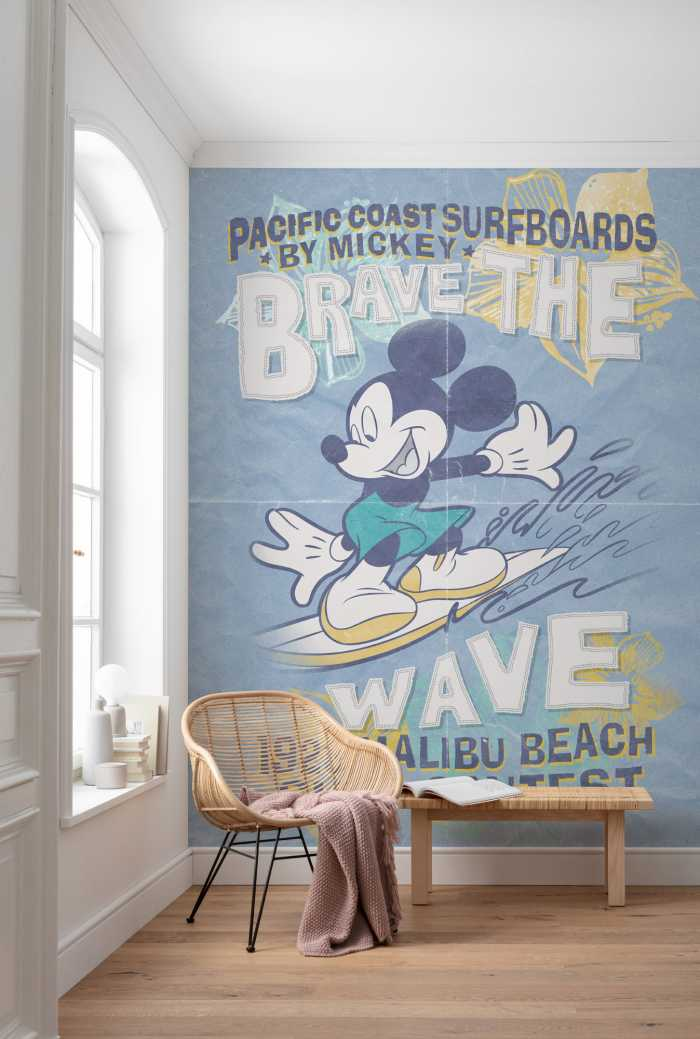 Digital wallpaper Mickey Brave the Wave