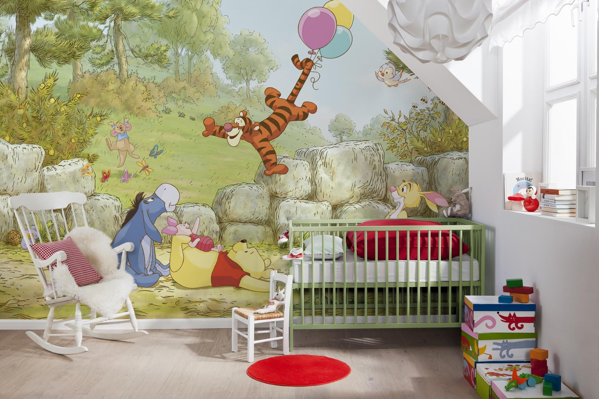 Winnie Pooh Ballooning